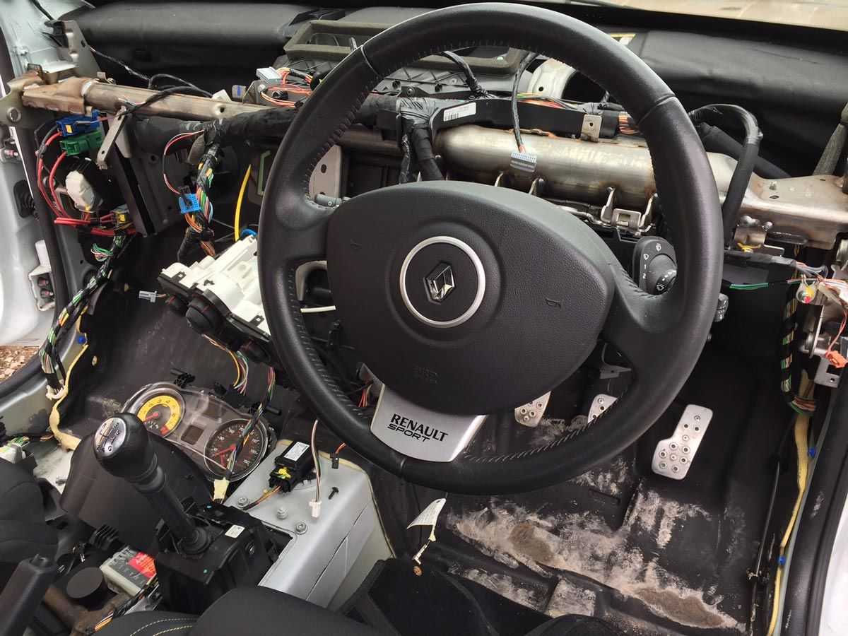 Clio 200 Cup interior strip down – Part 2 (Pictures)